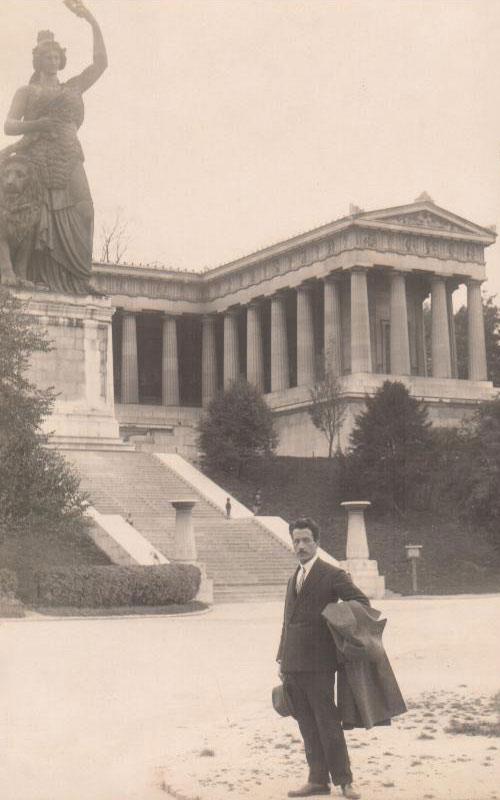 Ο Μίλτος Κουντουράς στο Μόναχο, 1924.