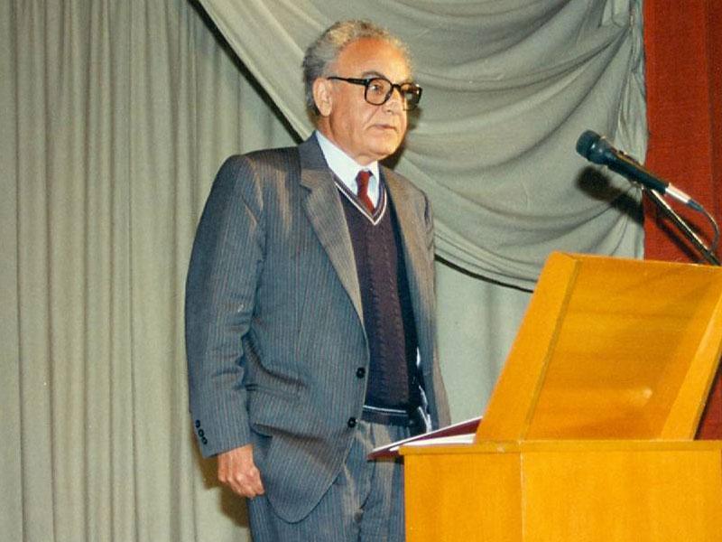 Στο βήμα ο καθηγητής κ. Φάνης Ι. Κακριδής, εισηγητής στο Διήμερο.